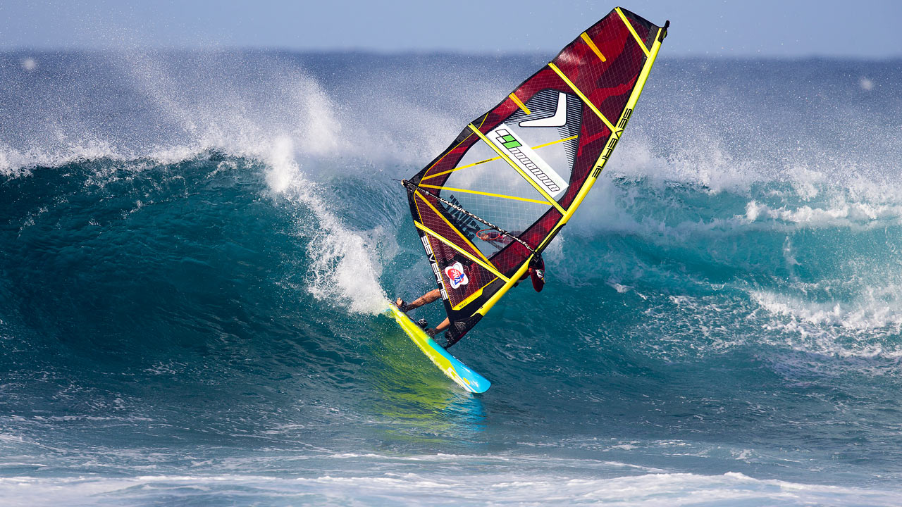 Nayra's pure surfing style transformed into windsurfing (Pic: Carter/PWA)