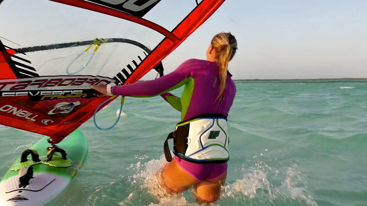 Oda Johanne windsurfs in Bonaire