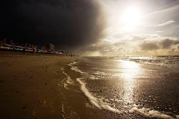 Clouds over the beach - Pic: PWA/John Carter