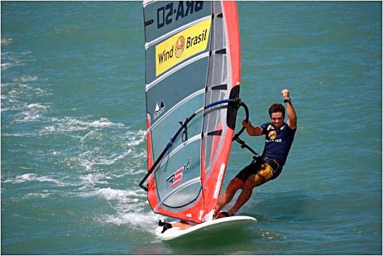 Gabriel Browne winning the Fortaleza Formula Grand Prix (Pic: formulawindsurfing.org)
