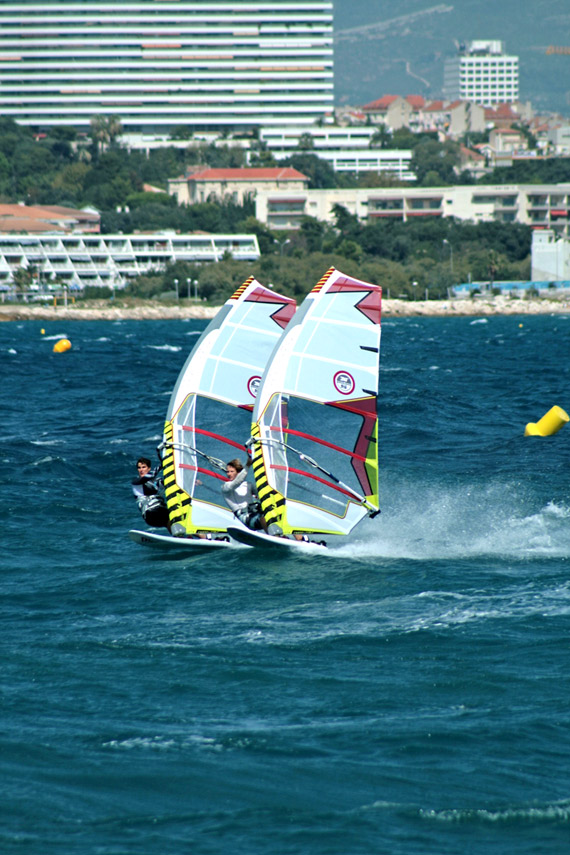 Pierre Mortefon & Cyril Moussilmani in the South of France on their 2011 rigs (Pic: Northsails).