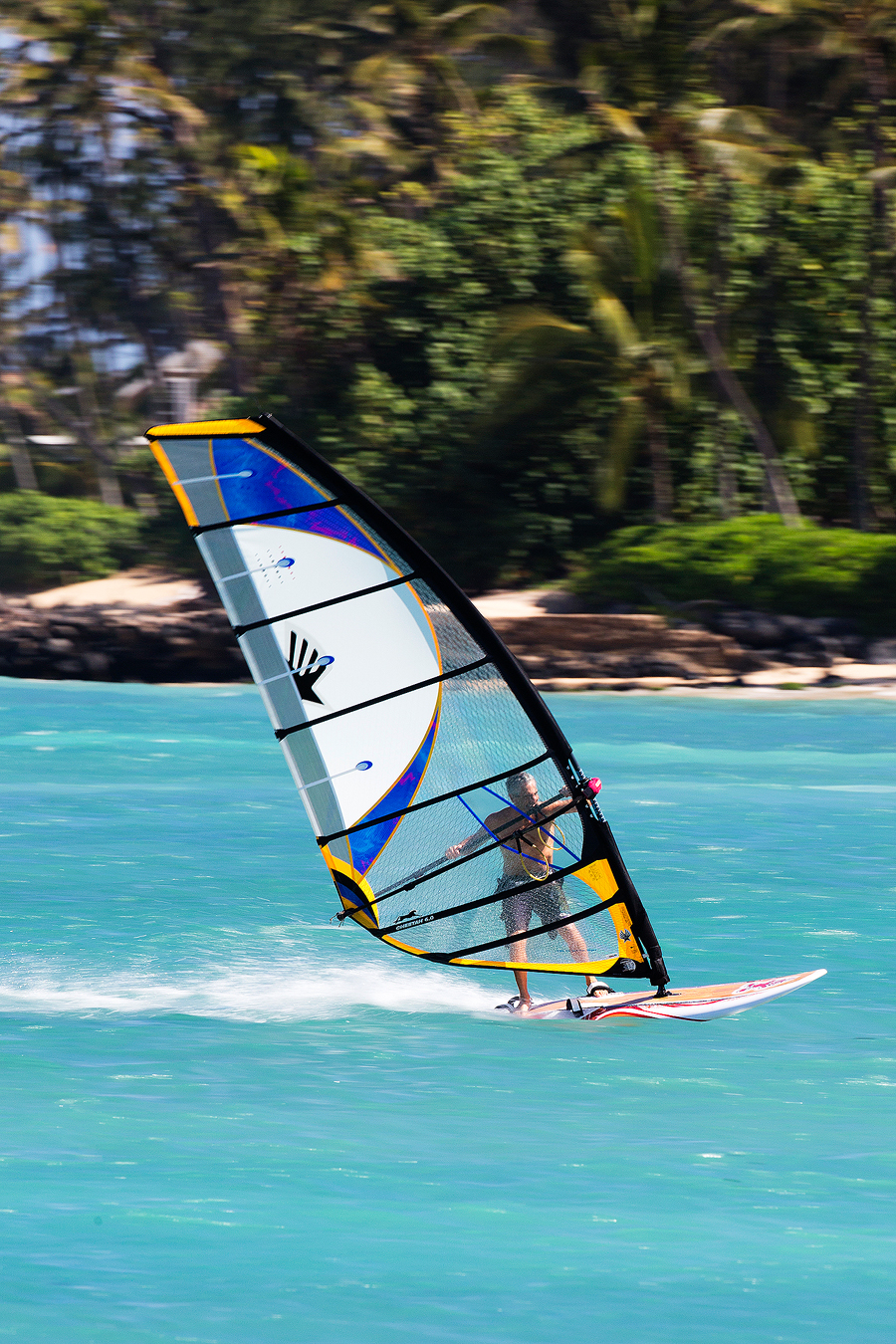 David Ezzy in action on Maui, having fun on one of his sails (Pic: Kevin Pritchard).