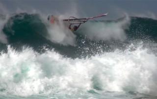 Waveriding Crash by Bernd Roediger