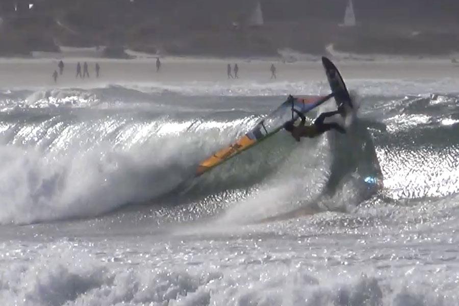 Frontside Wave 360 Crash by Thomas Traversa