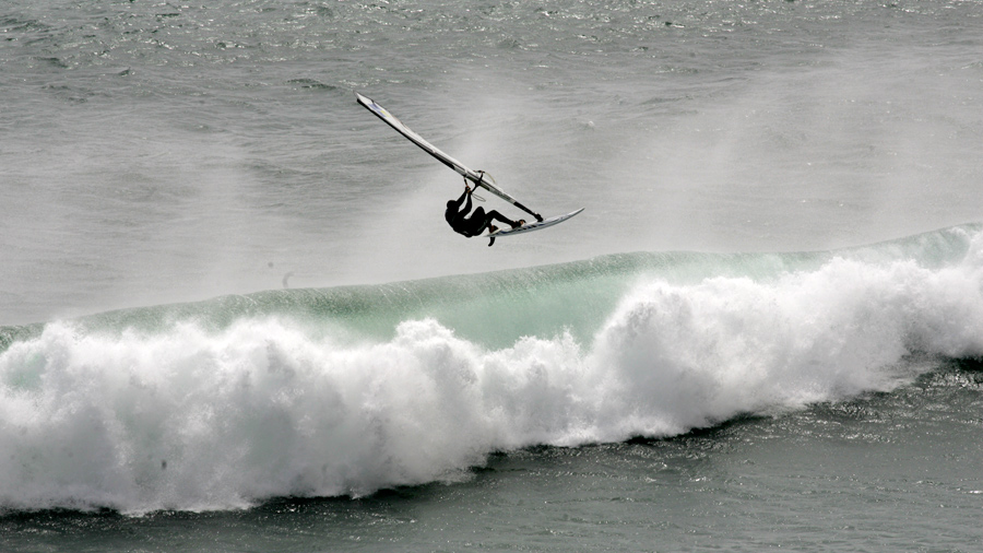 Dario escapes with an Aerial