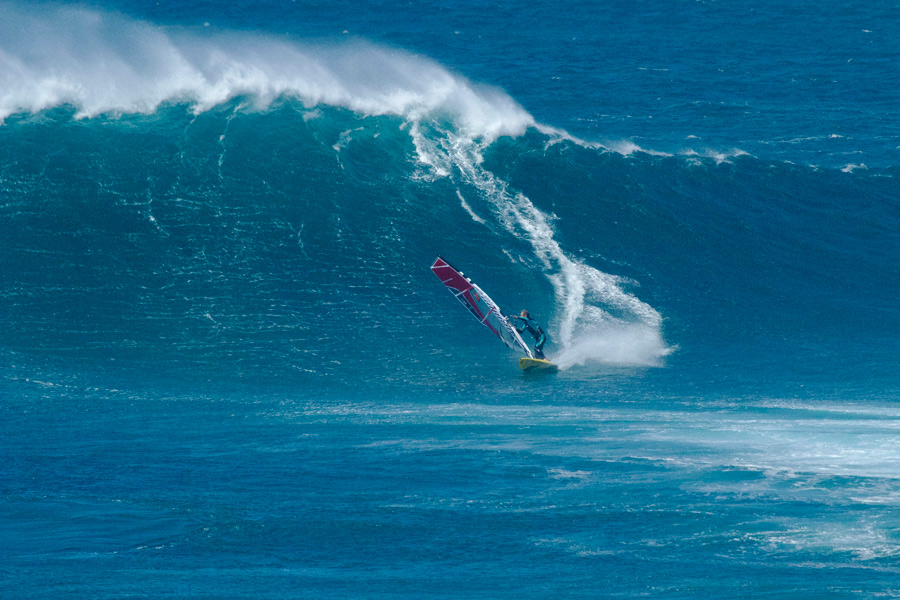 Stephane Etienne riding some big waves at Fuerteventura ...
