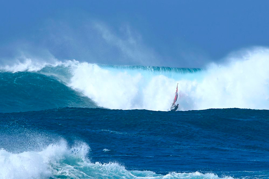 A massive wipeout at Puertito (Pic: Laurent Didier)