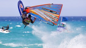 Taty Frans flies up in the sky (Pic: PWA/Carter)
