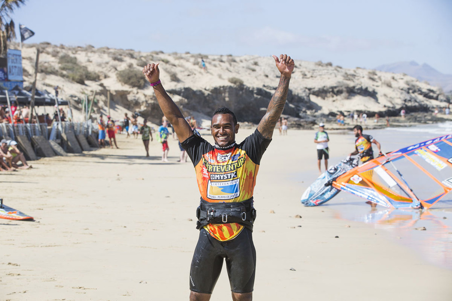 The first moments back on the beach after winning an elimination at Sotavento (Pic: Carter/PWA)