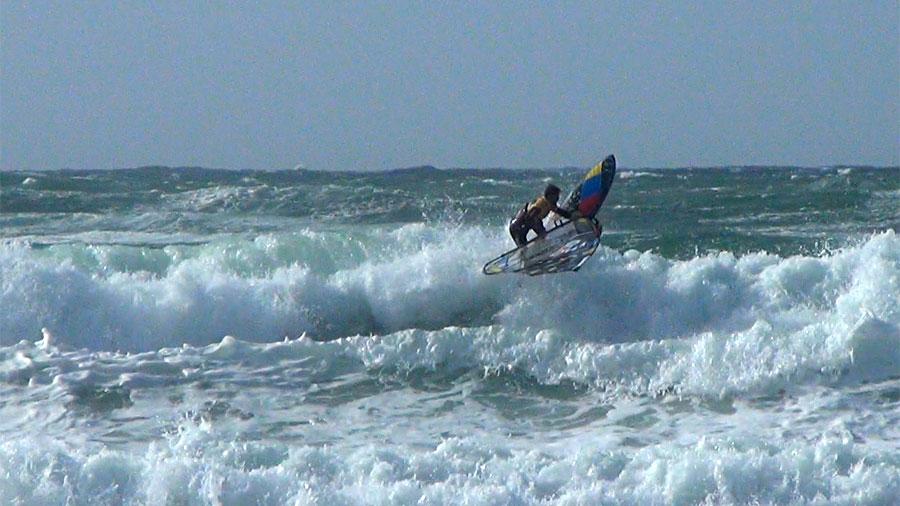 Backside Wave 360 by Ricardo Campello