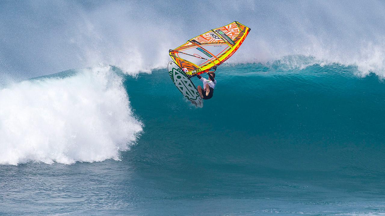 John Skye lets go the gear (Pic: Carter/PWA)
