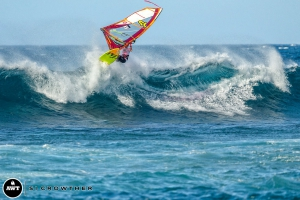 Max Schettewi, Jake's older brother, with an Aerial at Ho'okipa (Pic: Crowther/AWT)