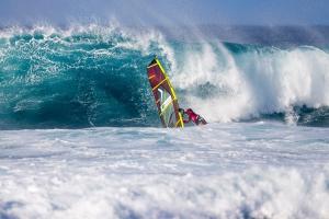 Nayra Alonso at Ho'okipa - Pic: John Carter/PWA