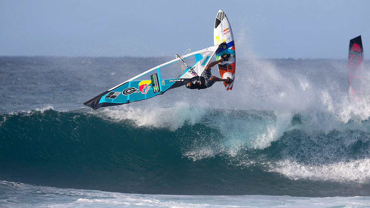 Levi Siver with a frontside 360 (Pic: Carter/PWA)