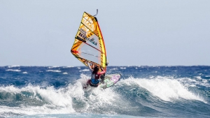 Caterina with a well timed cutback at Cabezo (Pic: Roland Bos)