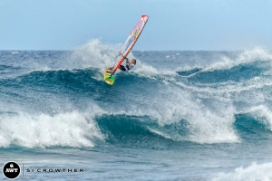 Jake with a nice topturn at Hookipa (Pic: Crowther/AWT)