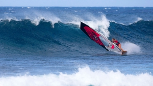 Vickey Abbot with a classic bottom turn (Pic: Carter/PWA)