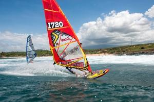 Fabio Calo on his new board at Hookipa, Hawaii (Pic: Fish Bowl Diaries)