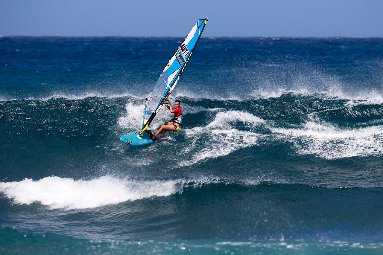Sam has a good ride at Ho'okipa during the AlohaClassic 2015 (Pic: Carter/PWA)