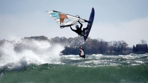 Windsurfing Lake Ontario