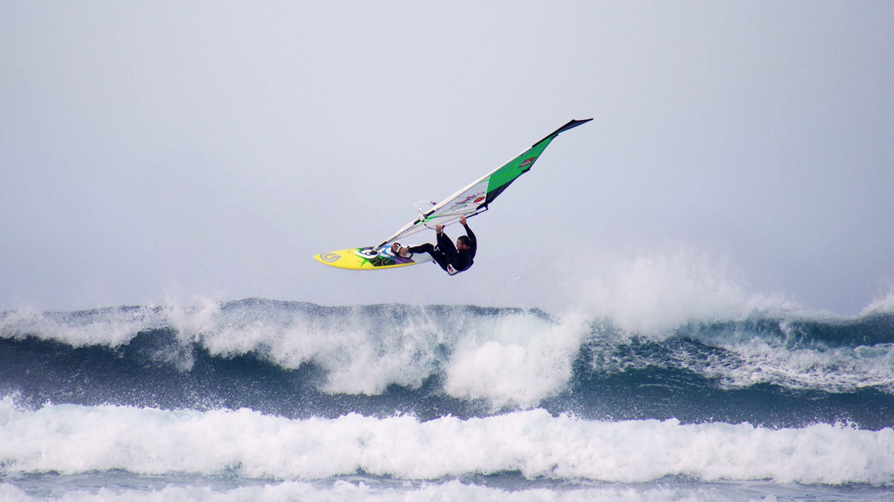 WeshWesh nails an Aerial at Fuerteventura's North Shore