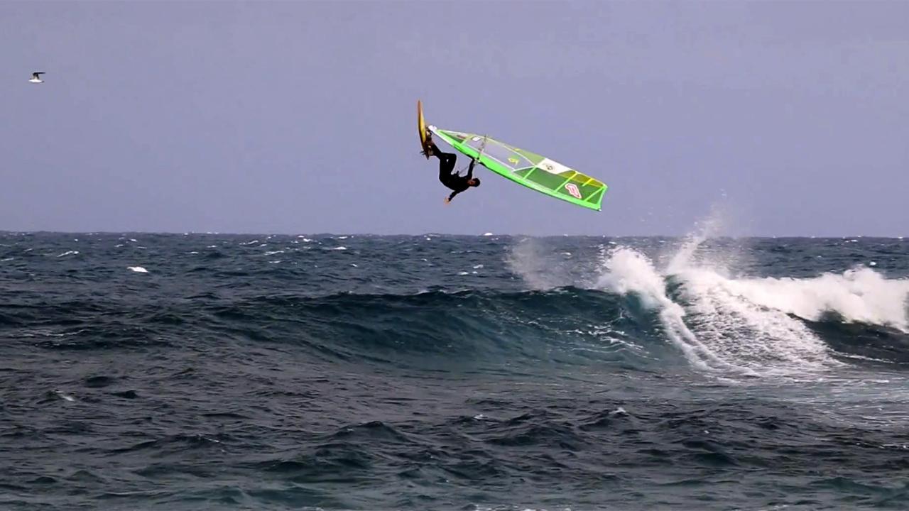 Noah Vocker windsurfs waves in Lanzarote