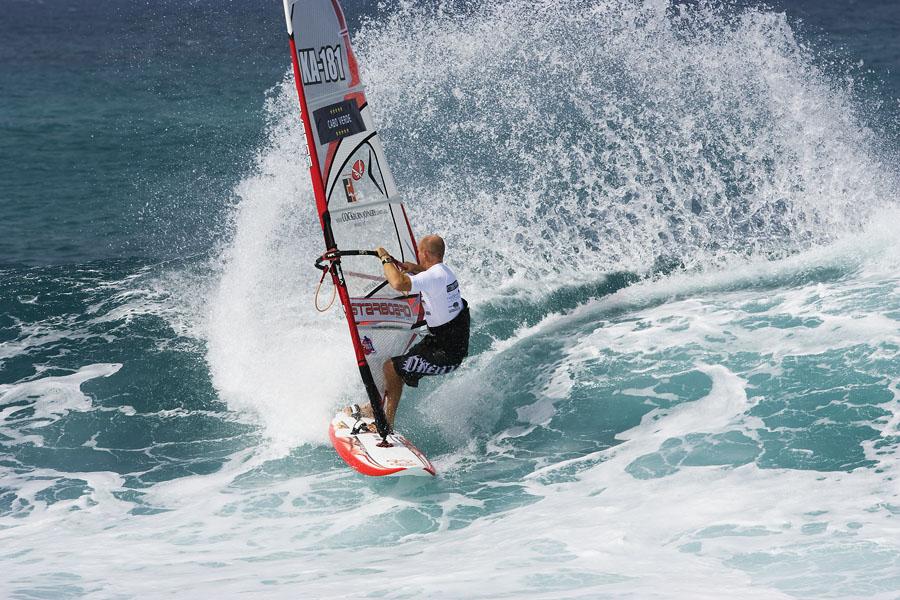 Scott McKercher with spray in Cabo Verde 2008  (Pic: Carter/PWA)