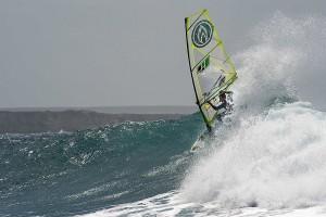 Kauli Seadi rides Capo Mannu (Pic: Alex Tocco)