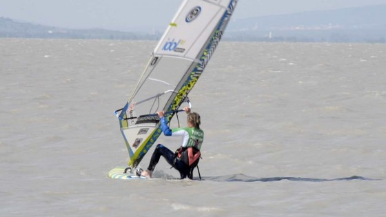 Windsurfing Beach start by Nick van Ingen