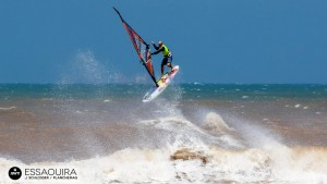 Diony Guadagnino shows great skills at Moulay Bouzerktoune in Morocco (Pic: Schlosser/ Planchemag/ AWT)