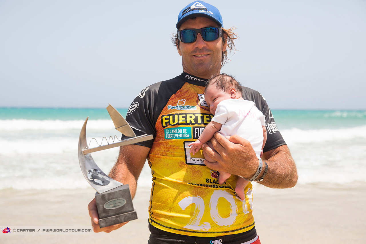 Antoine Albeau with his trophies (Pic: Carter/PWA)