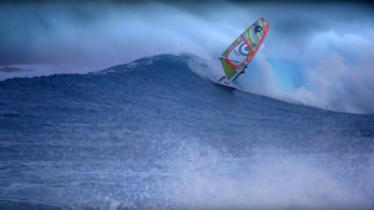 Manu's wave ride on Rapa Nui_