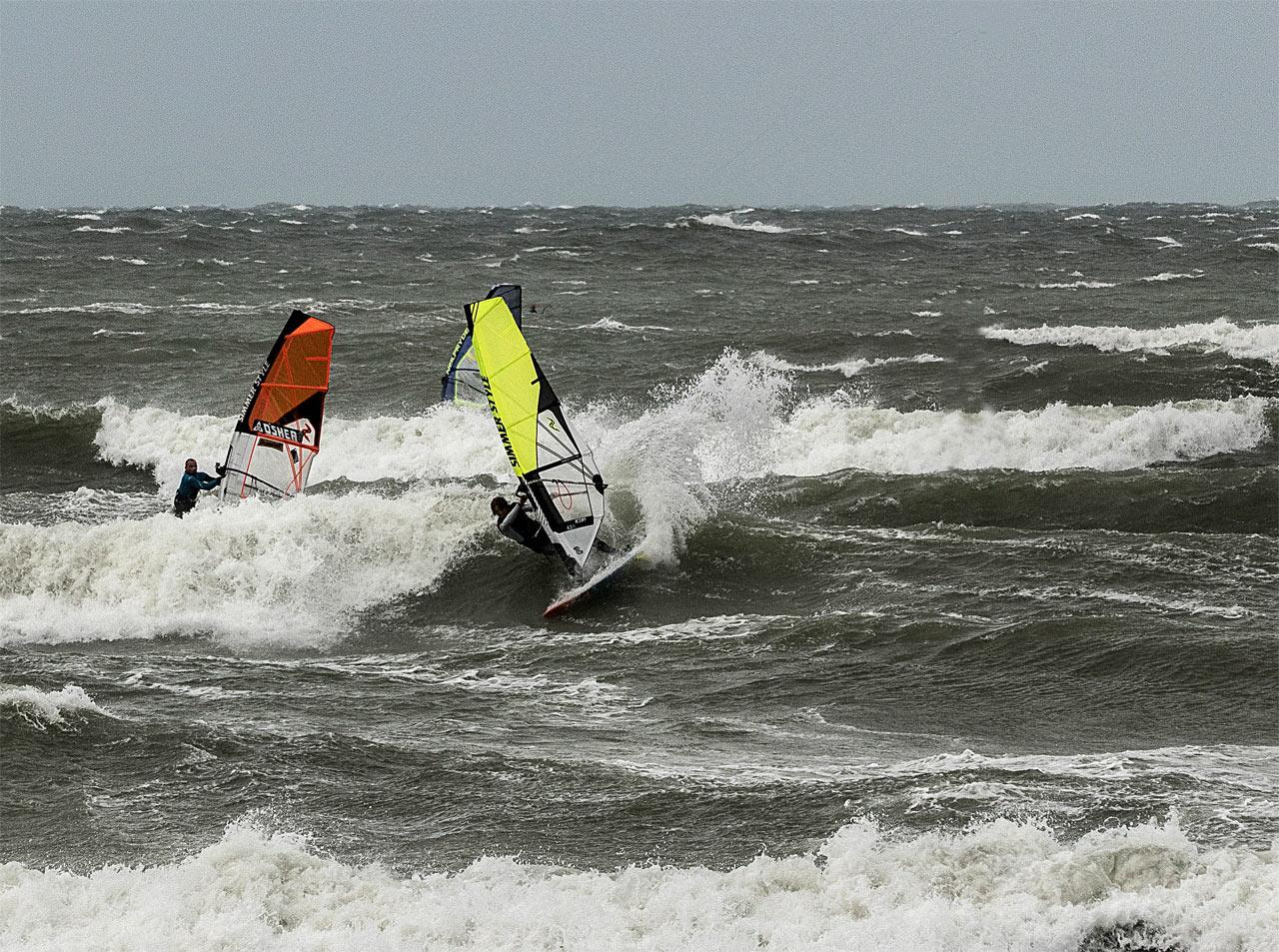 Martin Ten Hoeve shares the waves with team mate Ben Proffitt