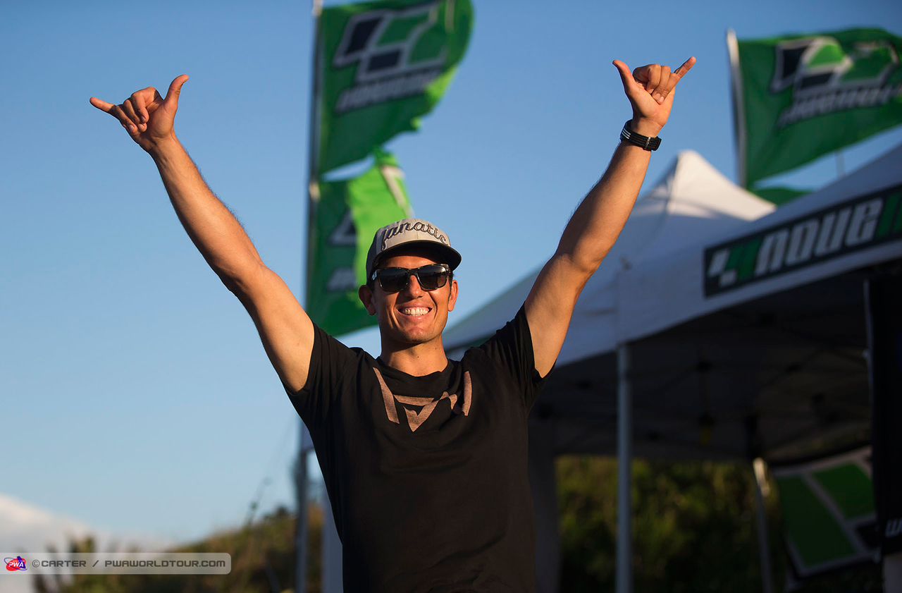 Victor Fernandez takes the wave title 2016 (Pic: Carter/PWA)