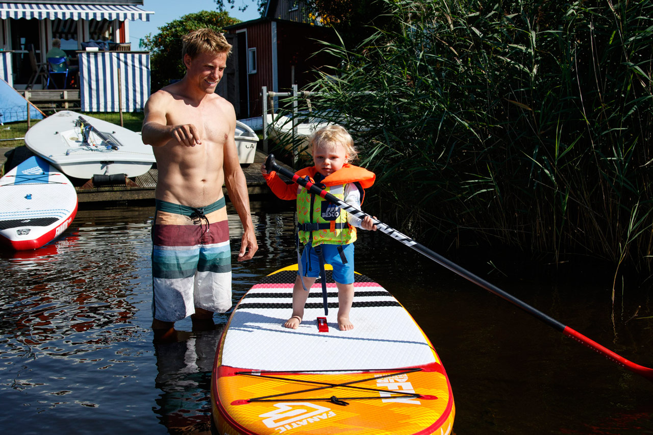 Family life - Klaas and his son Tebbe play together on the water (Pic: Femke Geestmann)
