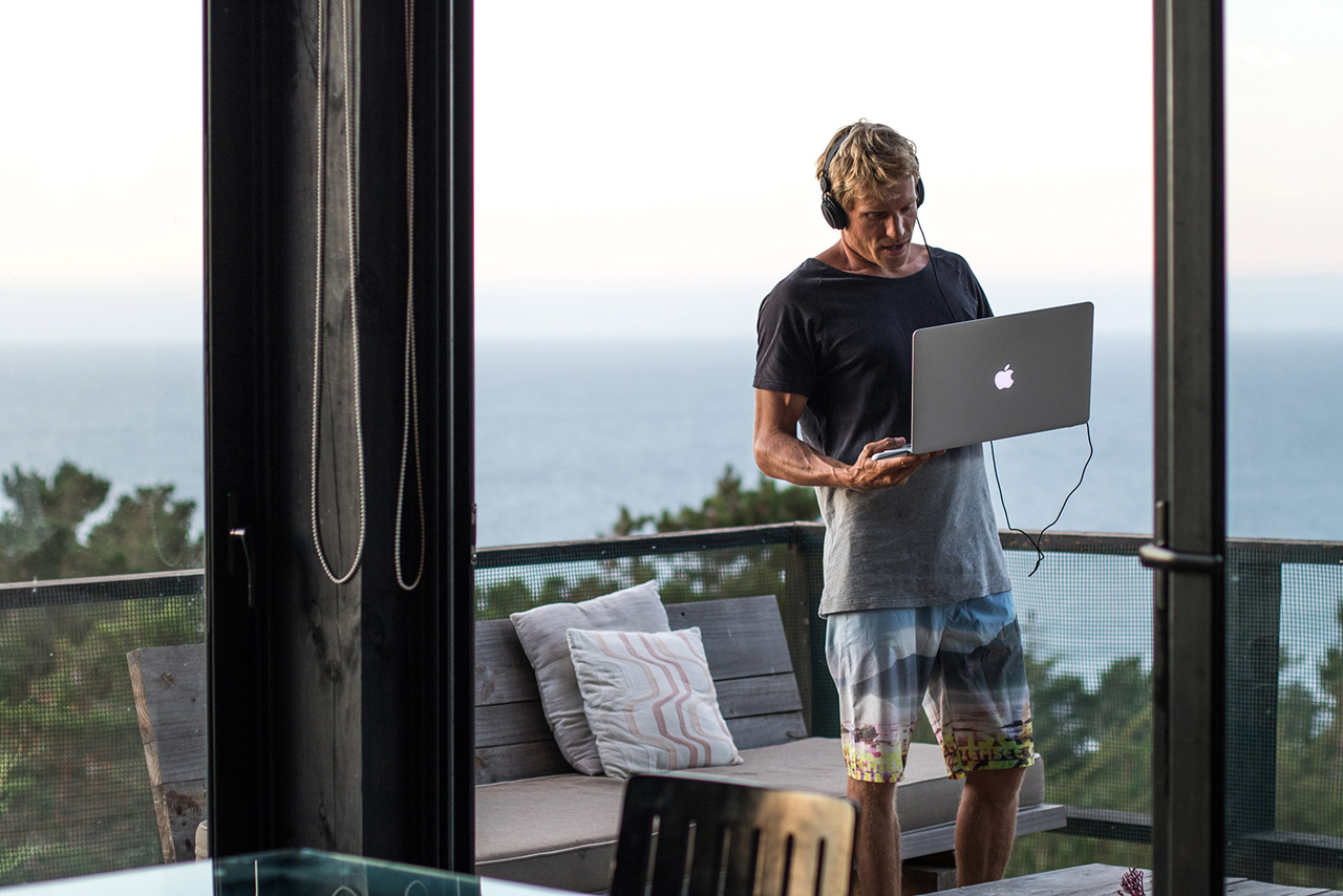 Klaas Voget works on his laptop in Chile (Pic: Femke Geestmann)
