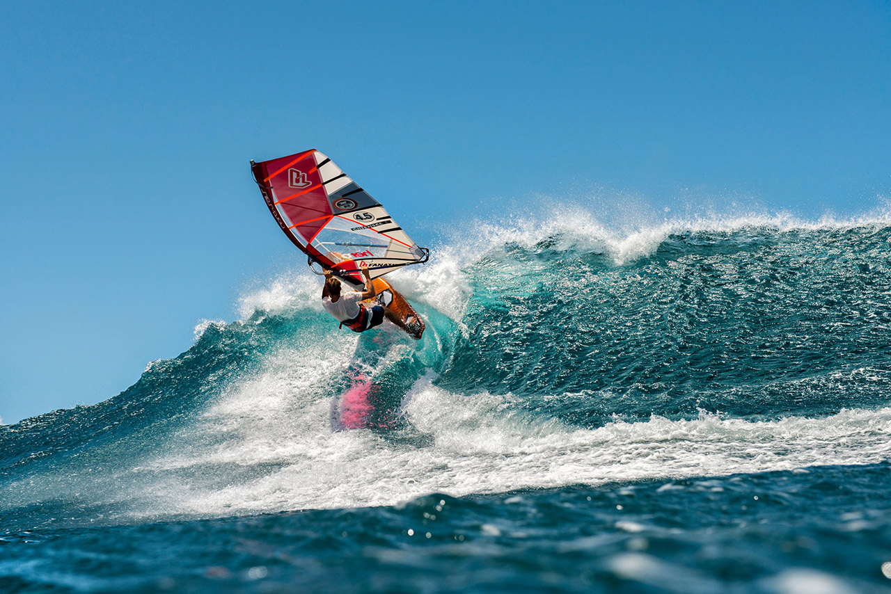 Klaas goes for an Aerial off the lip at Ho'okipa, Maui (Pic: FishBowlDiaries)