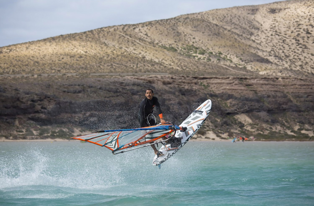 Tonky Frans with a warm up session in Sotavento, Fuerteventura (Pic:RRD)