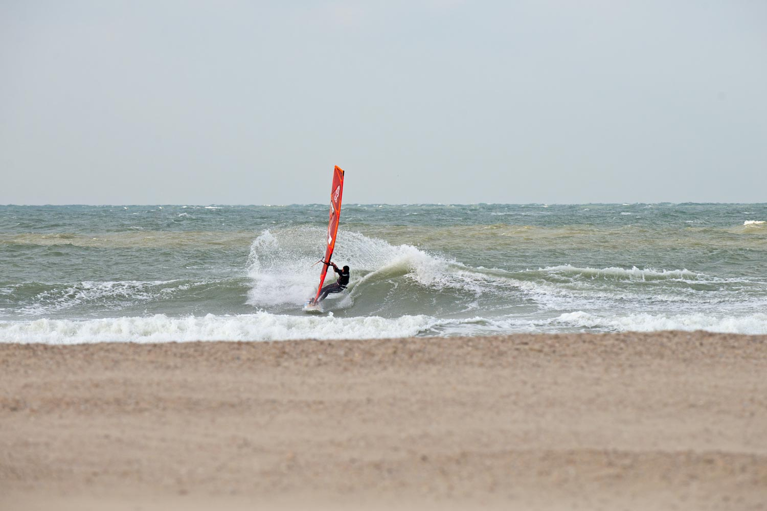 Dieter van der Eyken at one of his wavy home spots in Domburg - Pic: Continentseven|Kerstin Reiger