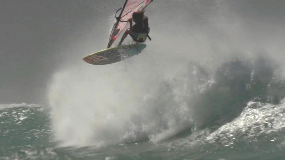 Jake Schettewi in Maui's waves – video by Dax Barker