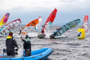 Julien Quentel finds the gap (Pic: Carter/PWA)