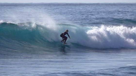 Glassy surfing conditions in Pozo Izquierdo