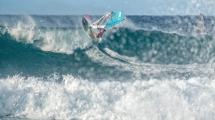 Sarah Hauser wins the Aloha Classic 2017