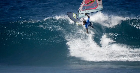 Frontside Cutback by Antoine Martin