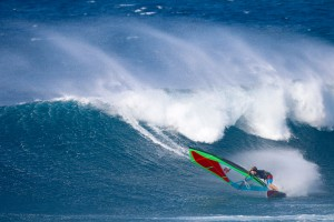 Morgan Noireaux tests his new two batten sail in a bottom turn in Maui