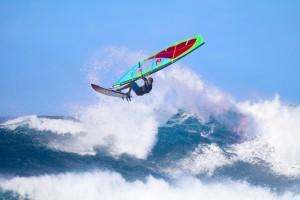 Morgan Noireaux nails a big Aerial at Ho'okipa
