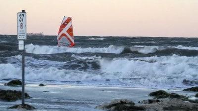 Dominik Roeckl in waves