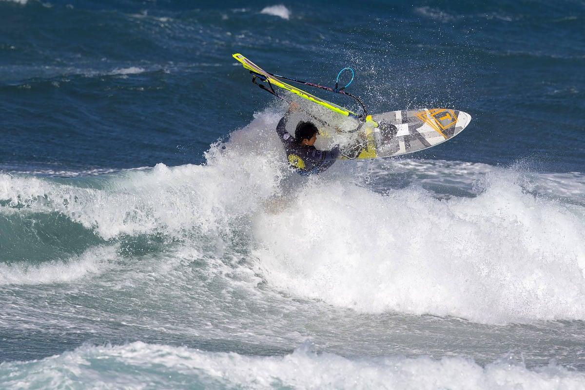 Takuma Sugi rides Pozo in 2018 (Takuma Sugi rides Pozo in 2018 (Photo: Carter/PWAworldtour)