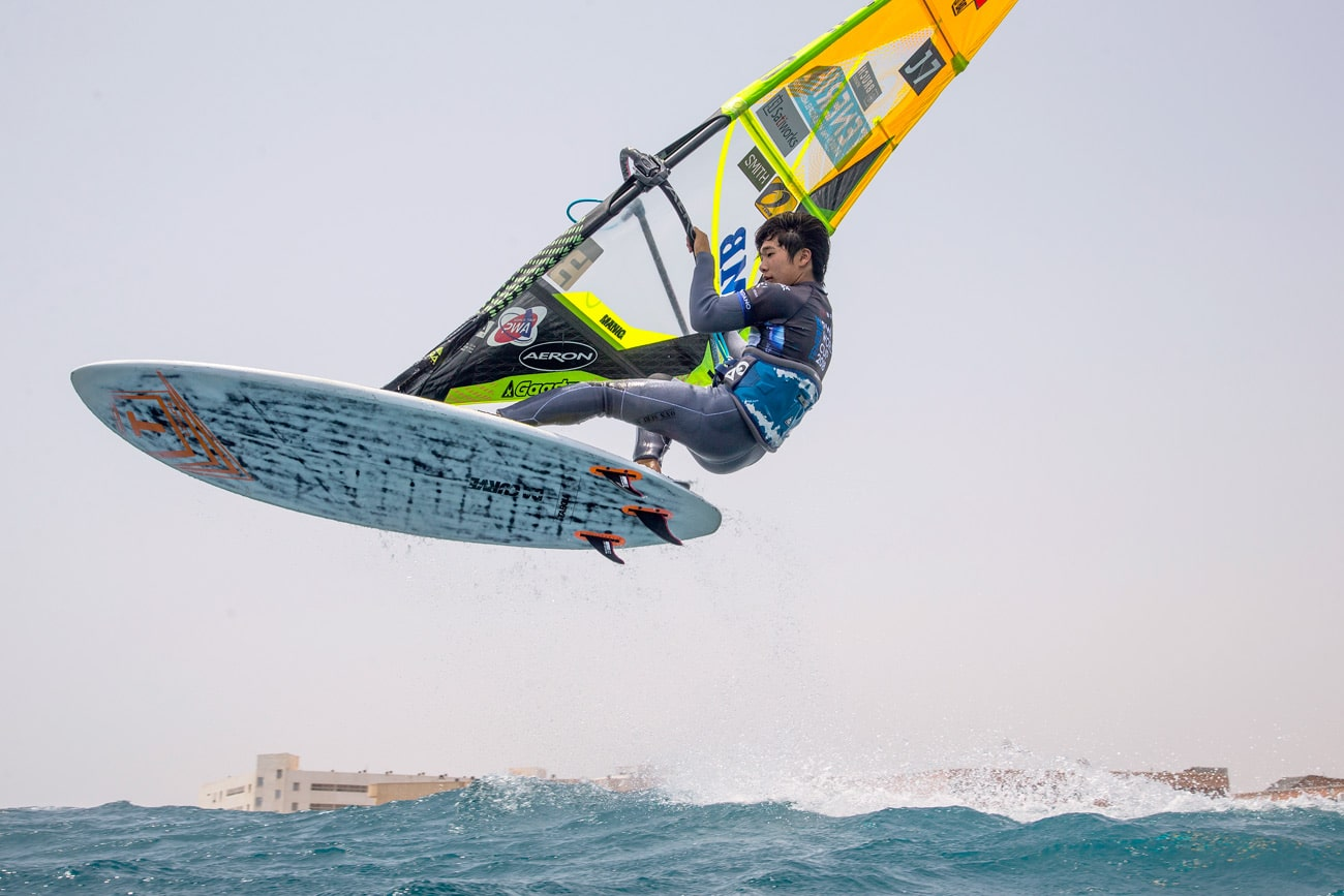Takuma jumps at El Cabezo in August 2018 (Photo: Carter/PWAworldtour)