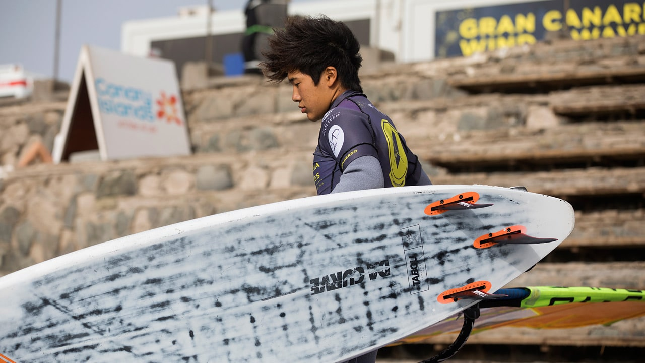 Takuma and his favourite gear set (Photo: Carter/PWAworldtour)